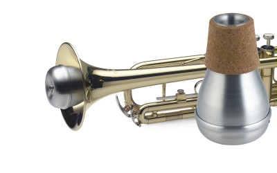 Compact practice mute for trumpet