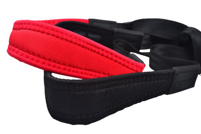 Fully-adjustable Flex saxophone strap with soft shoulder padding and reinforced neck pads, red
