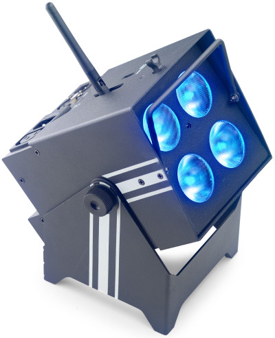 Battery-powered PARcan 4 x 8-watt (6 in 1) LED with wireless DMX
